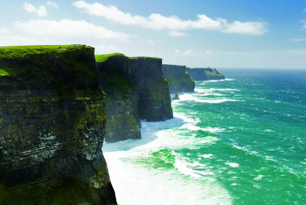 The-Cliffs-of-Moher-on-a-clear-sunny-day-1024x686